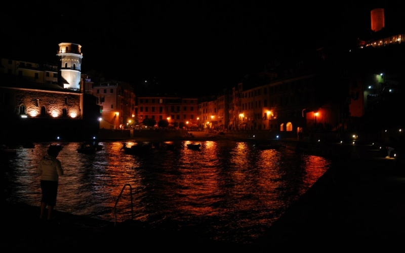 Travel: Cinque Terre by night