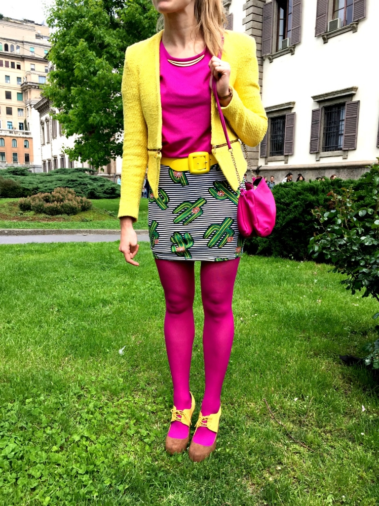 Colorful socks and high heels will make your legs look even nicer and taller