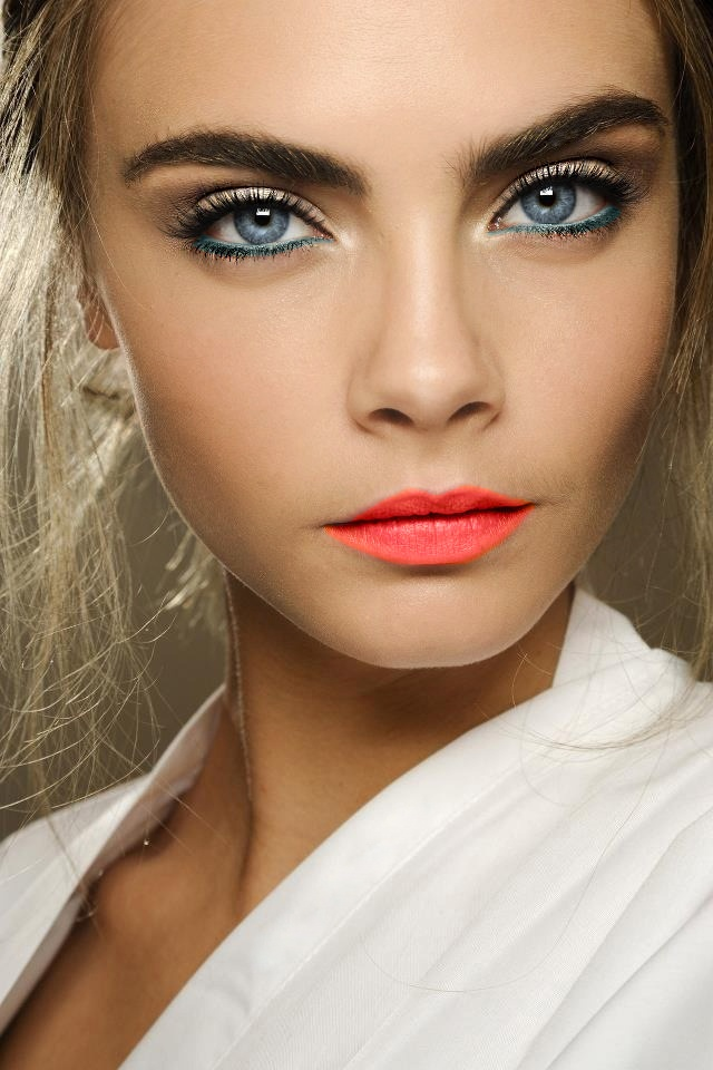The blue eyeliner for blue eyed ladies