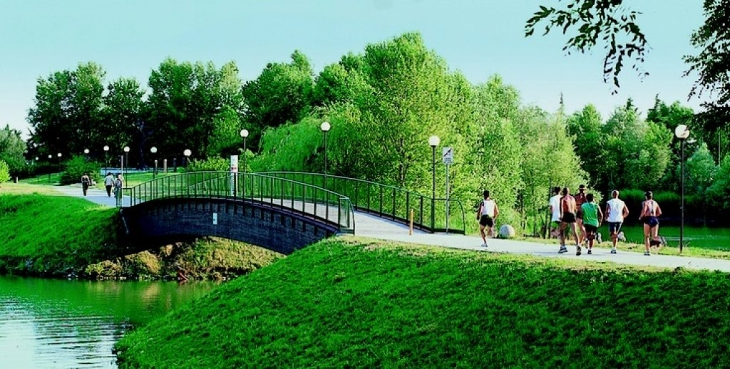 Idroscalo - green zone for running and leisure