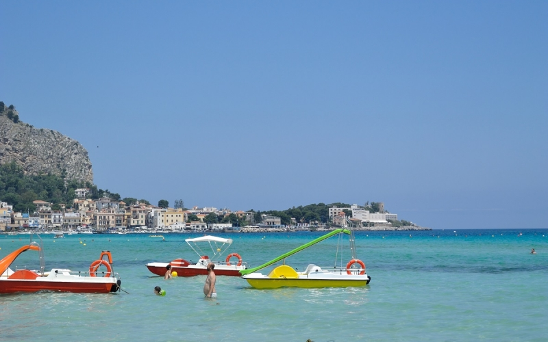 Travel: Exploring Sicily – Mondello beach
