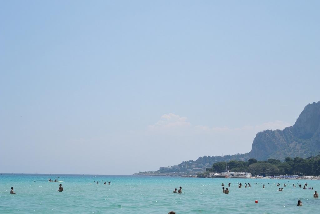 Palermo_Mondello_beach