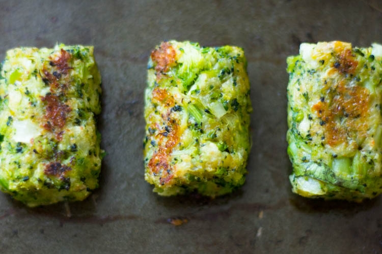How to prepare a healthy baked broccoli snacks