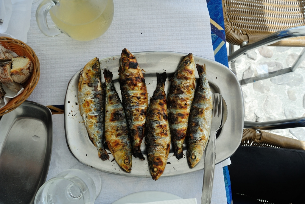grilled Portuguese sardines | www.missathletique.com