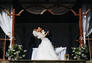 (MY) Summer wedding in charming hunters castle in Latvia
