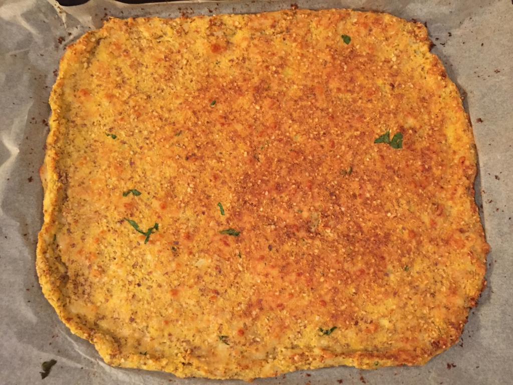 cauliflower pizza crust | www.missathletique.com