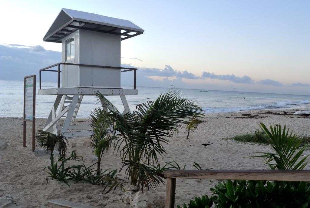 Morning at beach| www.missathletique.com