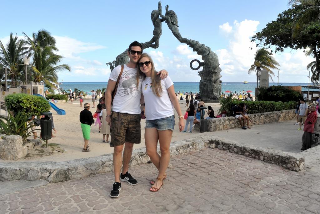 Portal Maya Statue at Playa del Carmen | www.missathletique.com